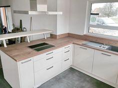 Hier sehen Sie eine kleine Auswahl von Küchen die von uns montiert wurden. Küchenmontage vom Profi.