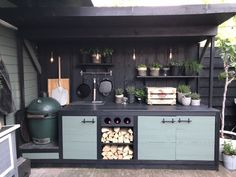kitchen countertops grill area 85 Best Outdoor Kitchen and Grill Ideas for Summer Backyard Barbeque Big Green Egg Outdoor Kitchen, Outdoor Kitchen Bars, Outdoor Kitchen Design, Kitchen Decor, Simple Outdoor Kitchen, Small Outdoor Kitchens, Green Kitchen, Kitchen Ideas, Simple Kitchen Cabinets