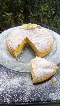 Λεμονόπιτα σπέσιαλ !!! ~ ΜΑΓΕΙΡΙΚΗ ΚΑΙ ΣΥΝΤΑΓΕΣ 2 Greek Desserts, Party Desserts, Cake Recipes, Dessert Recipes, Fruit Pie, Sweet Pie, Chocolate Cake, Sweet Tooth, Bakery