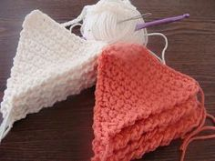 meMade: Craft Therapy Thursday: Crocheted Triangle Bunting