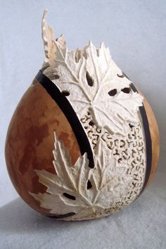 Gourd art by Joanna Helphrey. I remember the first time I saw gourd art I was so amazed. And this piece is soooo intricate. Decorative Gourds, Painted Gourds, Art Carved, Gourd Art, Wood Carving, Ceramic Art, Amazing Art, Awesome, Art Pieces