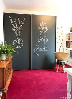 Designtanke // DIY KLEIDERSCHRANK MAKEOVER Mit Tafeltapete kannst du auch den spießigsten Kleiderschrand für kleines Geld aufhübschen!