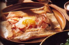 This Breton Galette recipe combines the gluten-free wonders of naturally soured buckwheat crepes with the traditional toppings of Brittany for a unique and beautiful breakfast common in France. Breakfast And Brunch, Breakfast Recipes, Galette Complete, Paleo Recipes, Whole Food Recipes, Buckwheat Crepes, Gluten Free Crepes, Galette Recipe, Gastronomia