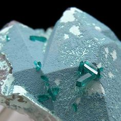 Plancheite over Quartz with tiny crystals of Dioptase