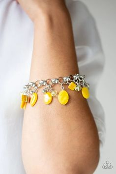 Seashore Sailing Yellow Paparazzi Accessories Bracelet Shell Bracelet, Bracelet Clasps, Bracelet Set, Beaded Bracelets, Paparazzi Accessories, Paparazzi Jewelry, Yellow Necklace, Jewelry Party, Silver Beads