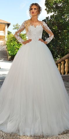 Wonderful Tulle Bateau Neckline Ball Gown Wedding Dress With Lace Appliques & 3D Flowers & Beadings