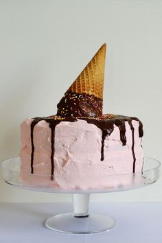 Melted Ice Cream Cone Cake...good idea for a summer cake!