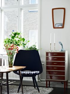a tableau of nordic retro interior design - I'm crazy about all of it