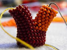 Master class on splitting a crochet rope into two pieces.  Excellent detail but translate.  #Seed #Bead #Tutorials