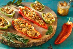 Biberde Salınan Peynirler,Cheese and Pepper released Coffee Recipes, Vegetable Pizza, Zucchini, Side Dishes, Food Porn, Appetizers, Favorite Recipes, Stuffed Peppers, Cheese