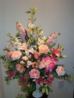 Qual a Mãe que não gostaria de receber um lindo arranjo de flores ?