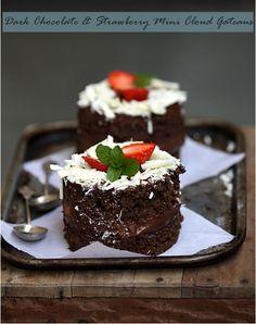 Baking| Dark Chocolate & Strawberry Mini Cloud Gateaus