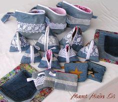 Cute bags from jeans. Denim Handbags, Denim Tote Bags, Simple Blouse Pattern, Sewing Hems, Diy Bags Purses, Denim Crafts, Denim And Lace, Recycled Denim, Fabric Bags