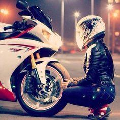 Motorcycle for women honda ideas Ducati, Yamaha R1, Motorbike Girl, Motorcycle Bike, Girl Bike, Motorcycle Girls, Harley Davidson, Lady Biker, Biker Girl