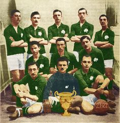 Panathinaikos of Greece team group in Greece Pictures, Old Pictures, Sports Clubs, Football, Retro, Painting, Soccer Teams, Group, 1920s