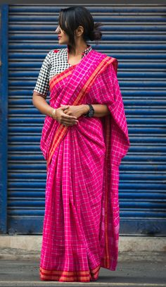 Looking for collar blouse designs for your sarees? Here are our picks of 13 amazing blouse designs you can wear with any saree. Blouse Designs High Neck, Cotton Saree Blouse Designs, Saree Blouse Patterns, Latest Blouse Designs, Kalamkari Blouse Designs, Trendy Sarees, Stylish Sarees, Fancy Sarees, Sari Bluse