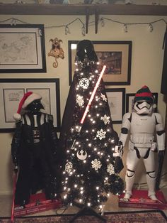 Merry Sithmas - Darth Vader Christmas Tree with friends
