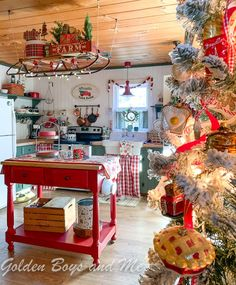 Cabin Christmas Kitchen at a mountain cabin- www.goldenboysandme.com Merry Christmas, Cabin Christmas, All Things Christmas, Christmas Lights, Christmas Holidays, Christmas Decorations, Holiday Decor, Christmas Ideas, Country Christmas Trees