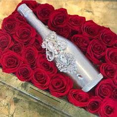 Champagne Love !! #ChampagneBisou #GlamBottle #weddings #giftforbride #birthdaygirl #flowers #roses #redroses #champagne #wine #legrandcourtage #ellenarilamour Champagne Gifts, Wedding Champagne, Champagne Bottles, Bottle Design, Hostess Gifts, Special Occasion, Bubbles, Swarovski, Bling
