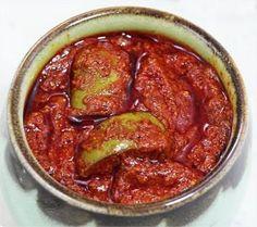 आम का जायकेदार अचार (Testy Mengo Pickle Recipe)