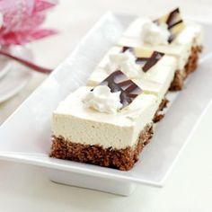 Unelman kevyet mokkaleivokset Baking Recipes, Cake Recipes, Sweet Bakery, Cake Bars, Sweet And Salty, Desert Recipes, Let Them Eat Cake, Yummy Cakes, No Bake Cake