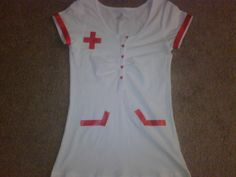 My Happy Ending ♥: How to make a nurse costume I would add blood for a zombie nurse. Nursing Clothes, Nursing Dress, Diy Clothes, Couple Halloween, Halloween Costumes, Halloween Stuff, Diy Costumes, Diy Halloween, Kids Nurse Costume