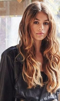 Kaia Gerber é a Nova Sensação do Mundo Fashion - Gabi May Cindy Crawford, Mundo Fashion, Cute Girl Pic, Kaia Gerber, Vogue, Beauty Queens, Hair Looks, Most Beautiful Women, Pretty Woman