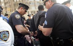 New York: NYPD Continues Discriminatory Marijuana Arrest Crusade  http://www.thedailychronic.net/2014/37727/new-york-nypd-continues-discriminatory-marijuana-arrest-crusade/ … #medicalmarijuana #nypd #thc