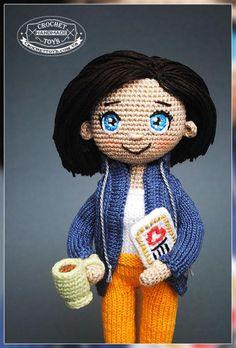 Portrait knitted doll Traveler ♡