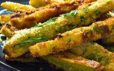 Batoane de dovlecei la cuptor. O gustare crocantă și aromată. O porție are doar 90 de calorii How To Cook Zucchini, Cooking Zucchini, Onion Rings, Asparagus, Food And Drink, Vegetarian, Vegan, Vegetables, Ethnic Recipes