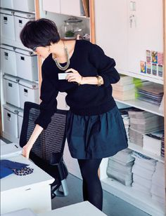 office style, black outfit, petite fashion