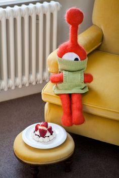Soooo cute!   Janet Smith Can't Knit by Suzie Johnson