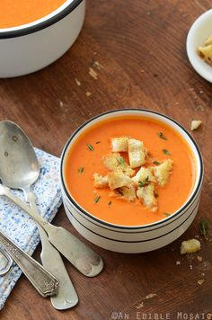 Roasted Red Pepper Soup with Cheesy Herb and Garlic Croutons 3 Roasted Red Pepper Soup, Roasted Red Peppers, Soup Recipes, Cooking Recipes, Healthy Recipes, Healthy Soups, What's Cooking, Liquid Lunch, Gourmet