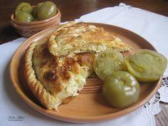 Rasenik – Pite me laker te bardhe Albanian Cuisine, Albanian Recipes, Bosnian Recipes, Albanian Food, Bosnian Food, Time To Eat, Recipe For Mom, Apple Pie, Good Food