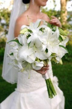 Picking the Perfect Flower Wedding Bouquet Lilly Bouquet Wedding, White Lily Bouquet, Lily Wedding, Purple Wedding Flowers, Rustic Wedding Flowers, White Wedding Bouquets, Bride Bouquets, Lilly Flower, Wedding Arrangements