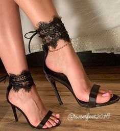 Beautiful Toes, Beautiful High Heels, Strappy Heels, Shoes Heels, Cute Toes, Shoe Art, Online Shopping For Women, Sexy Feet, Sexy Outfits