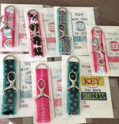Great teacher gifts!  I make these with our Thirty One Hang It Up Key Fobs and wrap them up for folks to give as teacher gifts.   www.mythirtyone.com/21447 Rachelsthirty1@yahoo.com