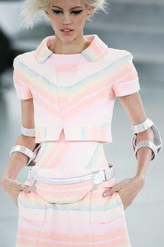Farb-und Stilberatung mit www.farben-reich.com - Chanel | Spring 2014 Couture Collection | Style.com