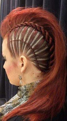 If I ever grow my hair out long again, I am so doing this and going as a Viking shield maiden for whatever occasion I can.