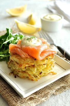 Smoked Salmon Potato Rosti Stack (Hash Brown) - a stack of golden, crunchy potato rosti / hash browns topped with smoked salmon and sour cream. Great for a lazy brunch!