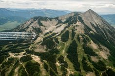 U.S. Air Force Thunderbirds over crested Butte cO [ 2048 X 1363] photo by Tindell Nellis LLc. wallpaper/ background for iPad mini/ air/ 2 / pro/ laptop @dquocbuu