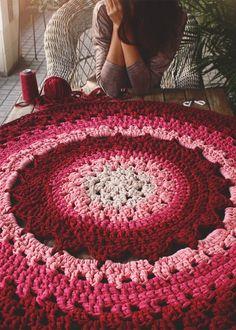 Ideas crochet mandala carpet granny squares for 2019 Crochet Geek, Love Crochet, Beautiful Crochet, Crochet Flowers, Crochet Stitches, Knit Crochet, Crochet Mandala Pattern, Crochet Patterns, Lidia Crochet Tricot