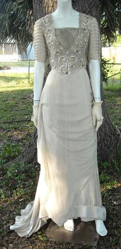Antique Edwardian Evening Gown 1912 Titanic Era Silk Embroidered Trained French…