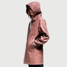 Stutterheim brings to you great waterproof raincoats for women, men and kids. Raincoats For Women, Jackets For Women, Polished Casual, Mode Rock, Blue Raincoat, Cool Style, My Style, Winter Trends, Outfits