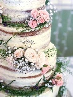 Naked & Semi Naked Wedding Cakes – Kelly Lou Cakes - ∞ I ᗪO. ∞ - Gâteaux de mariage nus et semi-nus - Kelly Lou Cakes - ∞ I ᗪO . Pretty Wedding Cakes, Black Wedding Cakes, Floral Wedding Cakes, Wedding Cake Rustic, Beautiful Wedding Cakes, Perfect Wedding, Wedding Cake Vintage, Vintage Cakes, Spring Wedding Cakes