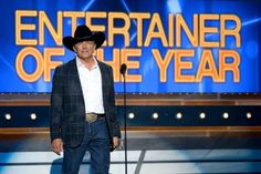George Strait Wins Entertainer of the Year at the 2014 ACMs