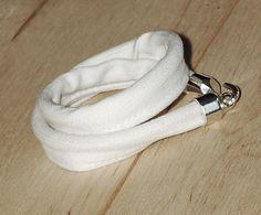 Biała jeansówka z hakiem White jeans bracelet with a hook A Hook, White Jeans, Bracelets, Cotton, Accessories, Jewelry, Jewlery, Jewerly, Schmuck