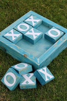 Jumbo TIC TAC TOE Board + over 20 project ideas is part of Outdoor wood projects - Thanks to DecoArt for supplying some of the supplies for this project Hello there! Today I am excited to be joining Remo Diy Outdoor Wood Projects, Scrap Wood Projects, Craft Projects, Scrap Wood Crafts, Wood Projects For Kids, Wooden Crafts, Simple Wood Projects, Craft Ideas, Outdoor Crafts