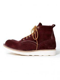 Nonnative hiker lace up boots.