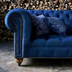 RALPH LAUREN HOME : ENGLISH CHESTERFIELD SOFA